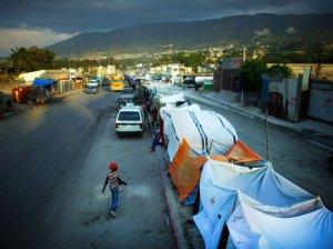 2010-earthquake-aftermath-haiti_5740485-d3c6f87dfc3a7f9ec37b1212d2b53c4645ca6310-s700-c85