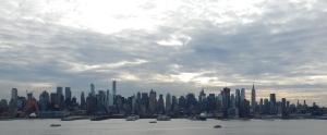 Midtown_Manhattan_skyline_Jan_2015_(zoomed_out)
