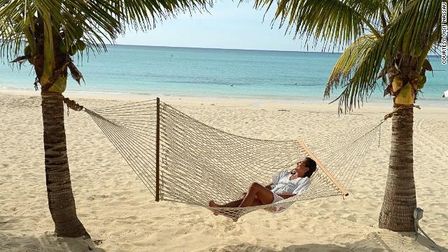 130523110041-6-cabbage-beach-paradise-island-bahamas-story-top
