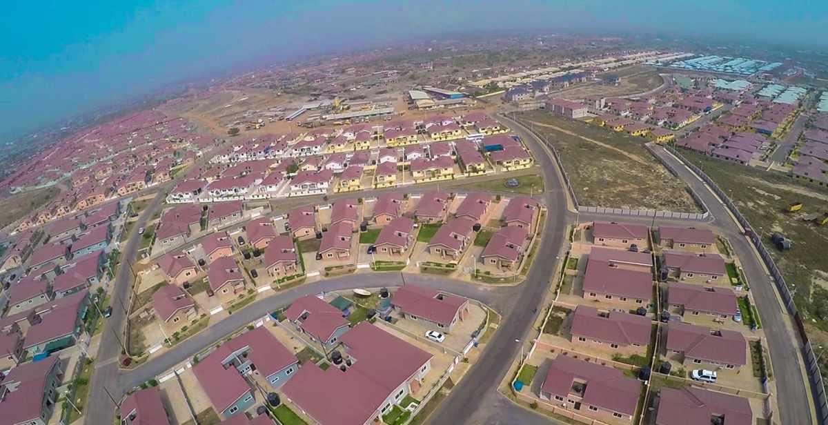 Accra Devtraco-Courts-Drone-shot-opt