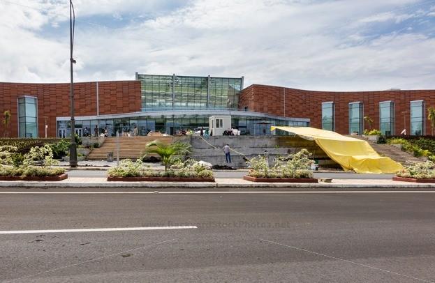 Modern-shopping-mall-in-Malabo-Equatorial-Guinea-25086-623x406