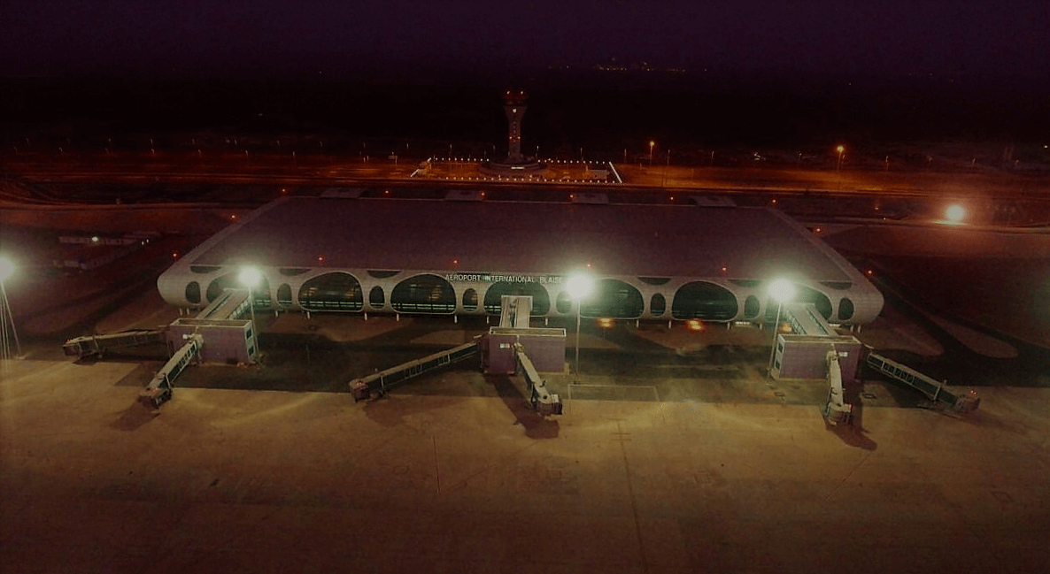 Wetra-aviation-obstruction-lights-Senegal-Airport