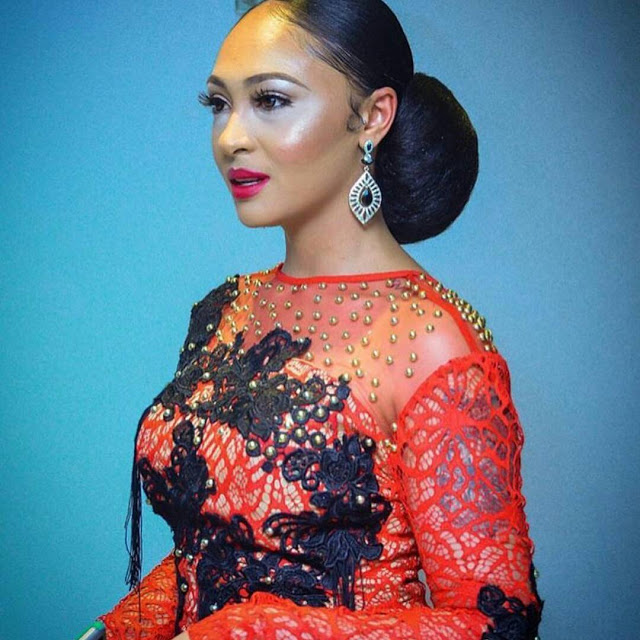 What-type-of-makeup-is-this-...-eehh-...-Rosaline-Meurer-...-viviangist.net_