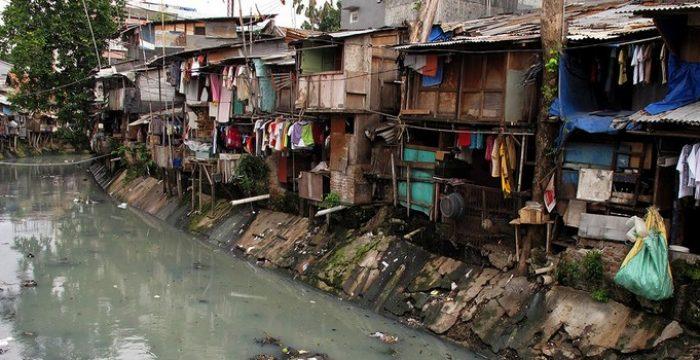 pobreza-favela-miseria-700x360_c