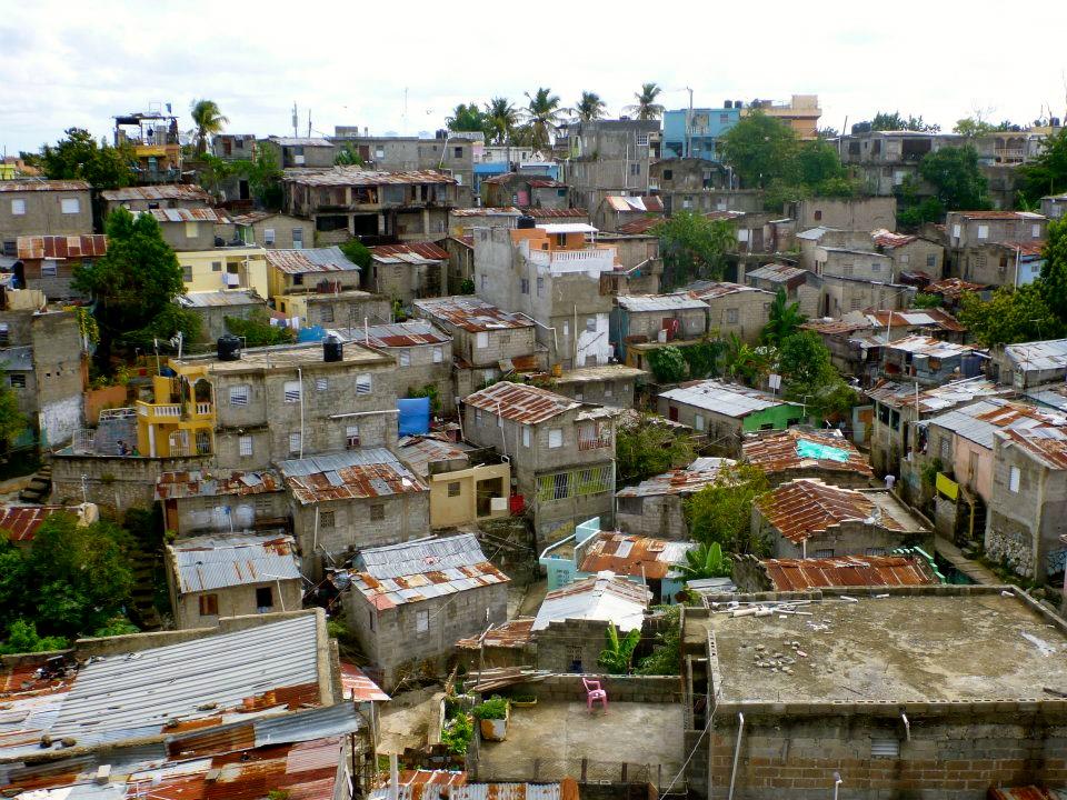 santo-domingo-slum
