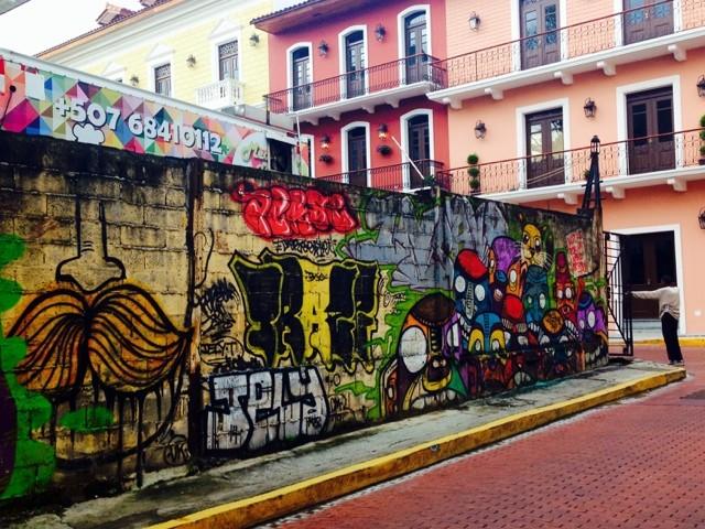 wanderlust-chloe-panama-city-street-art