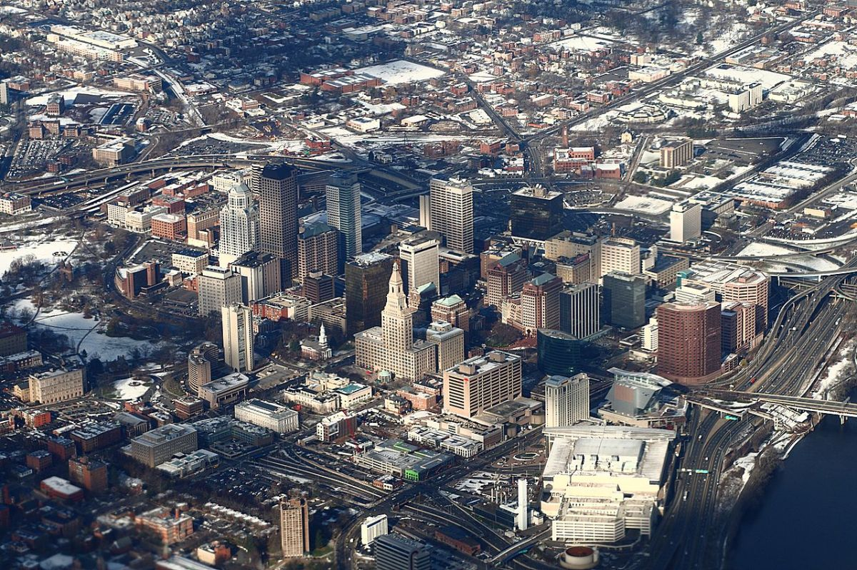 1280px-Downtown_Hartford_from_above,_2009-12-10.jpg
