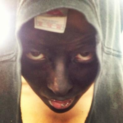 130731-g-dragon-trayvon-martin-blackface-hoodie