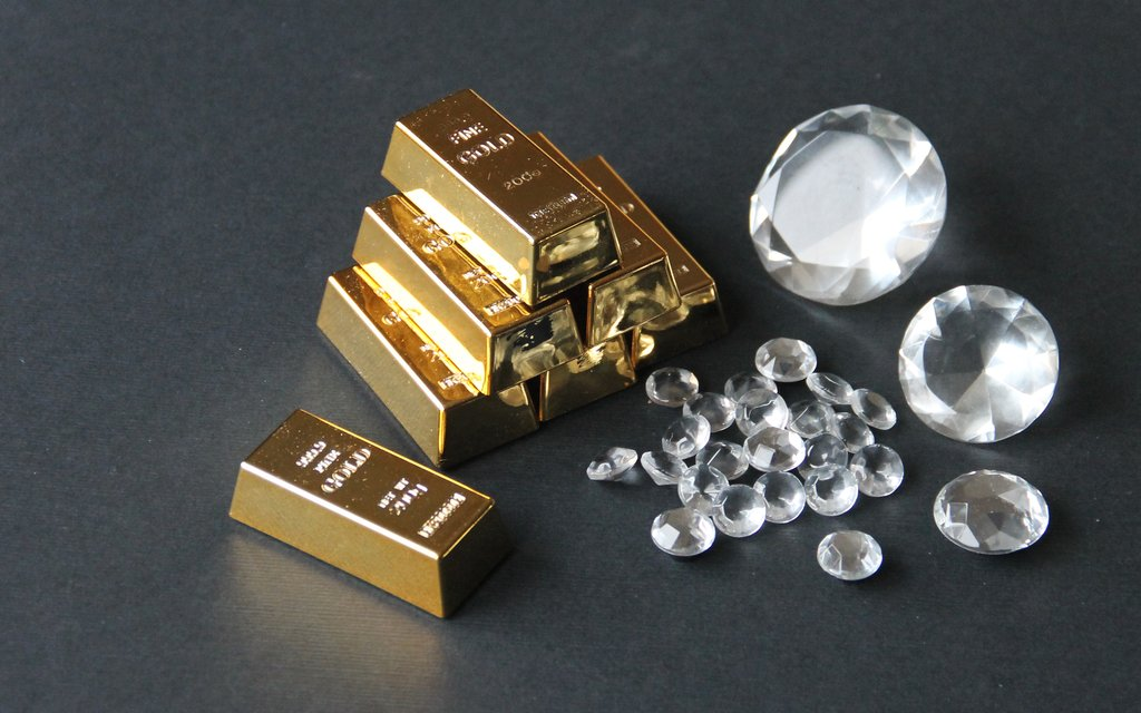 real_life_minecraft__diamonds_and_gold_by_joshua_mozes-d65s5il