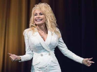 richest-country-music-singers-12-dolly-parton