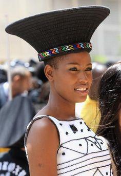 4b9b33552b72e36f7a33979e0627fe34--woman-style-zulu