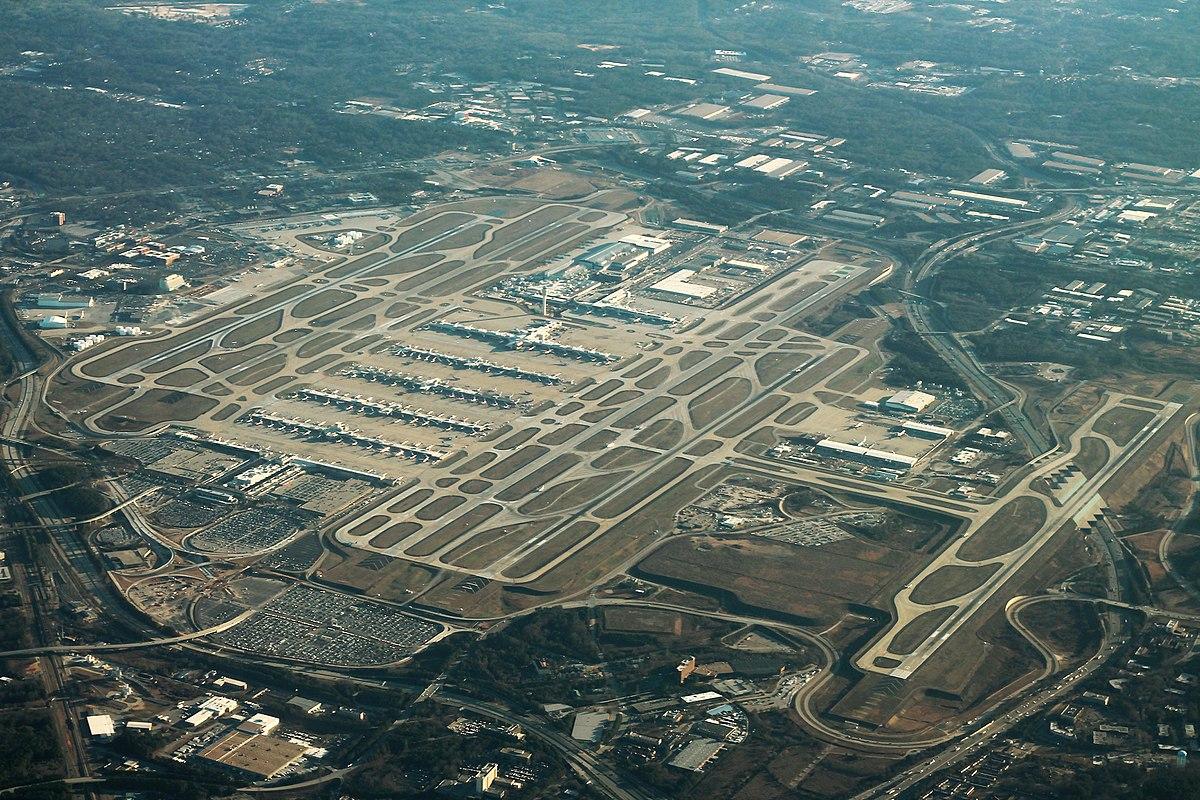1200px-Atlanta_Airport_Aerial_Angle_(31435634003)_(2).jpg