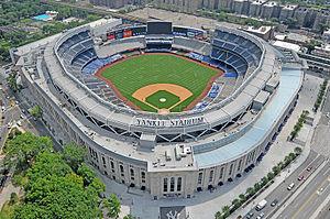 300px-Le_Yankee_Stadium.jpg
