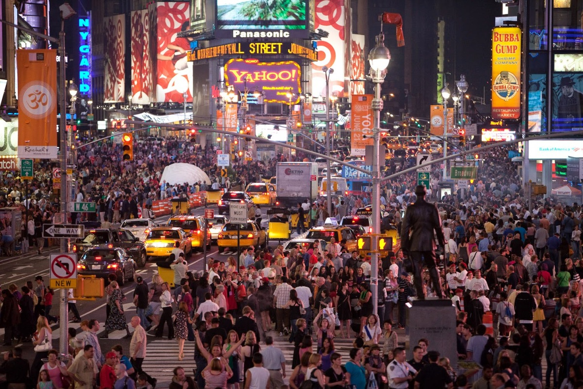 nyc-times-square-crowded