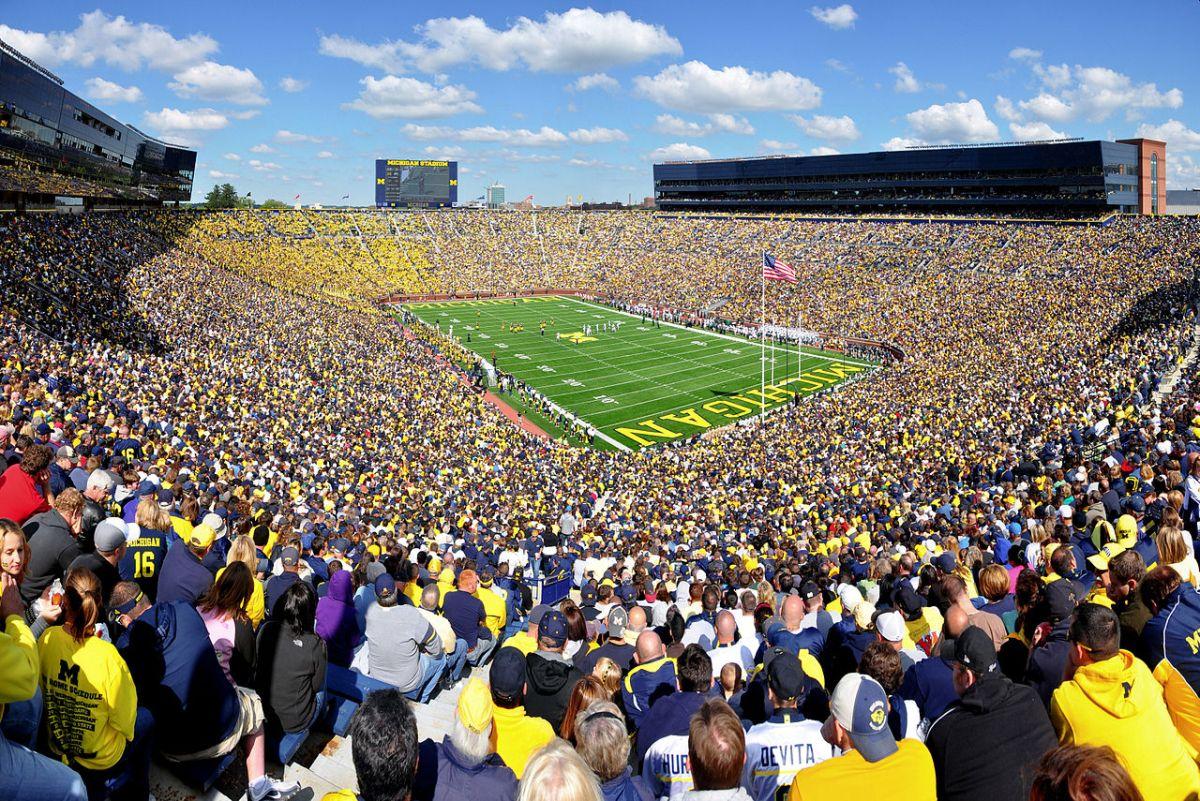 1280px-Michigan_Stadium_2011