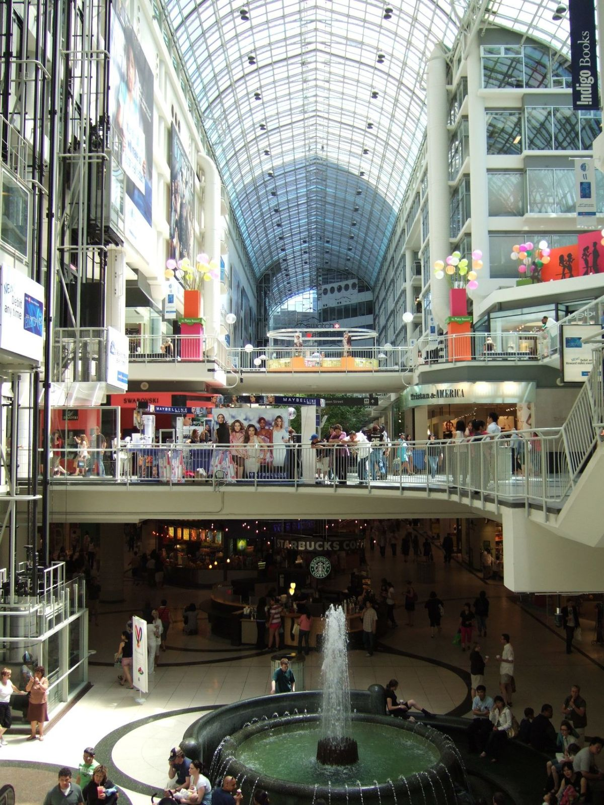 1280px-Toronto-Eaton-Centre