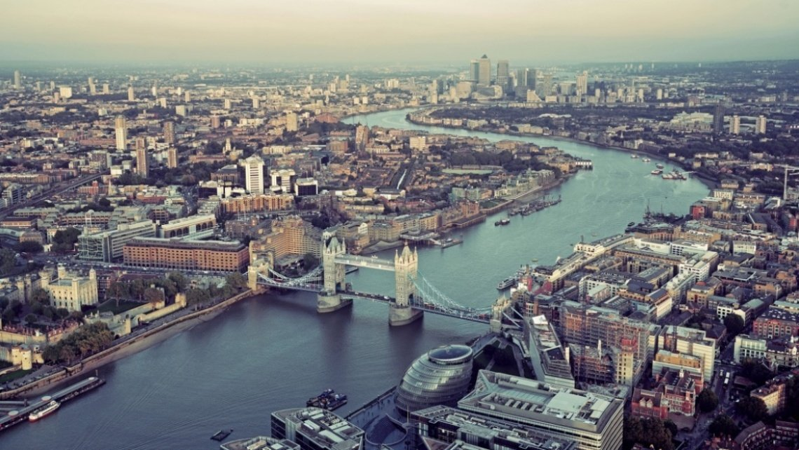 15 Reasons Why London is a World City 2220 x 1250