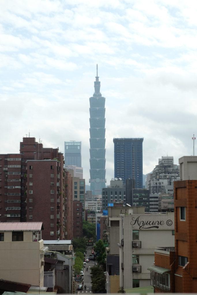 2017-11-15-Park-Taipei-Hotel-Room-902-683x1024