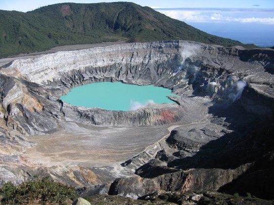 1280px-Poas_crater