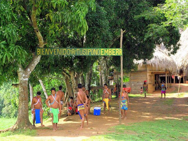 embera-village-day-tour-panama-wlelcome.jpg