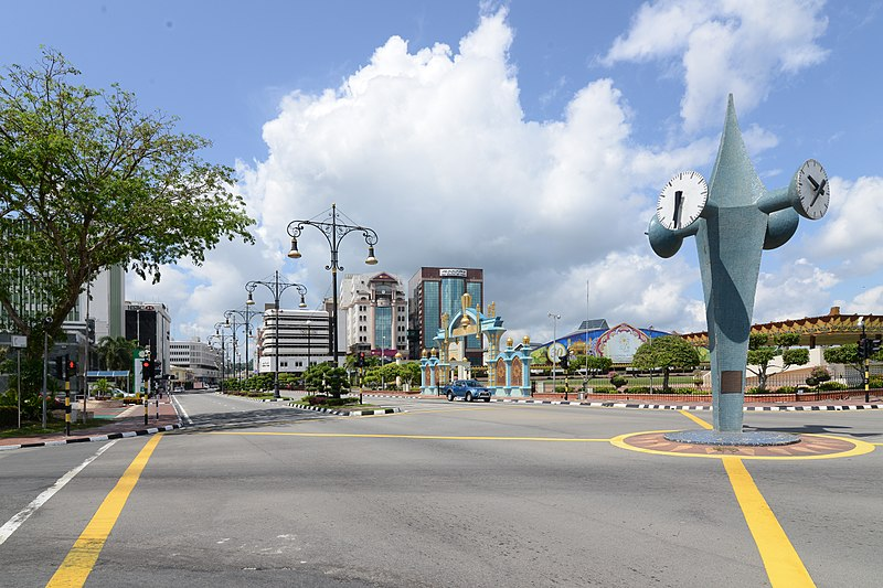 800px-Bandar_Seri_Begawan,_the_capital_of_the_Sultanate_of_Brunei_(18592560331).jpg