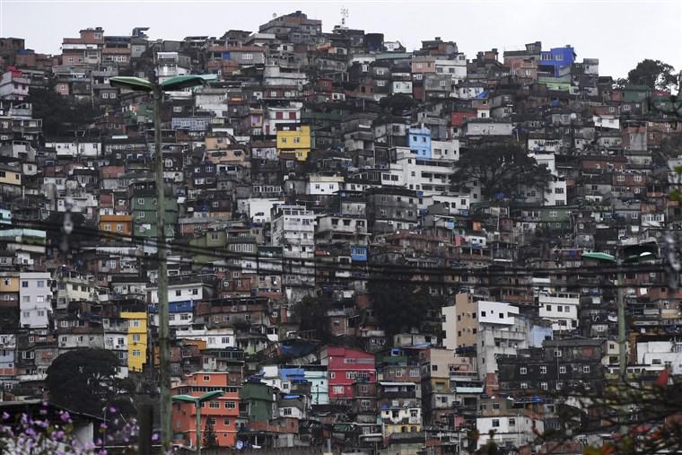 favela-rio-ejo-080316_6b63131061ea99e6f915a05c7fb159c7.fit-760w