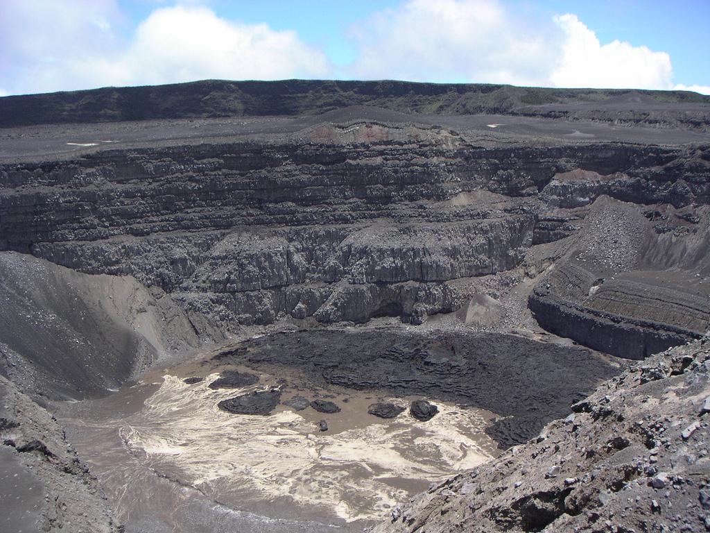 Karthala_volcano-Comoros