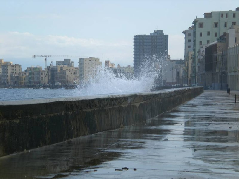 things-to-do-in-cuba-havana-malecon