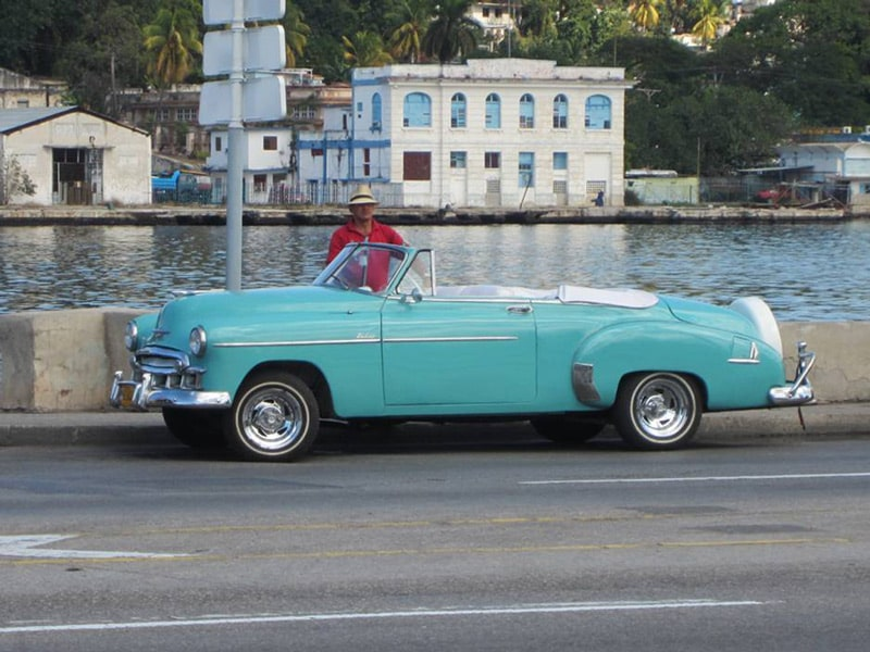 things-to-do-in-havana-old-cars.jpg