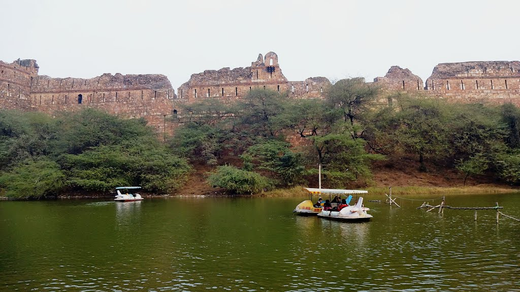 Boating-at-Old-Fort