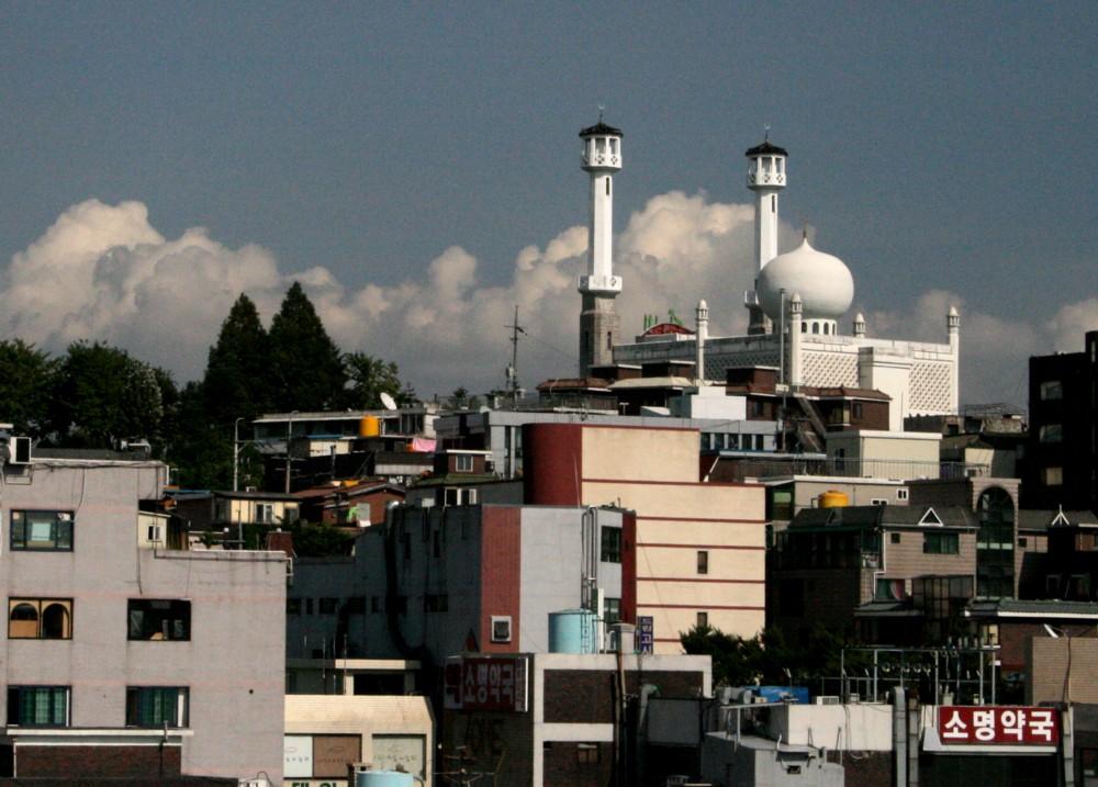Korea-Seoul-Itaewon-Seoul_Central_Mosque-01