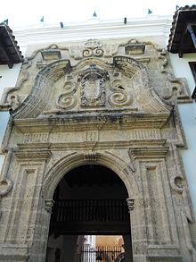 220px-Entrada_Del_Palacio_de_la_Inquisición