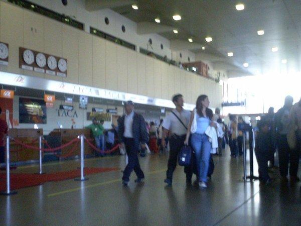 4447868-La-Paz-airport-0